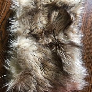Thick fur circle scarf